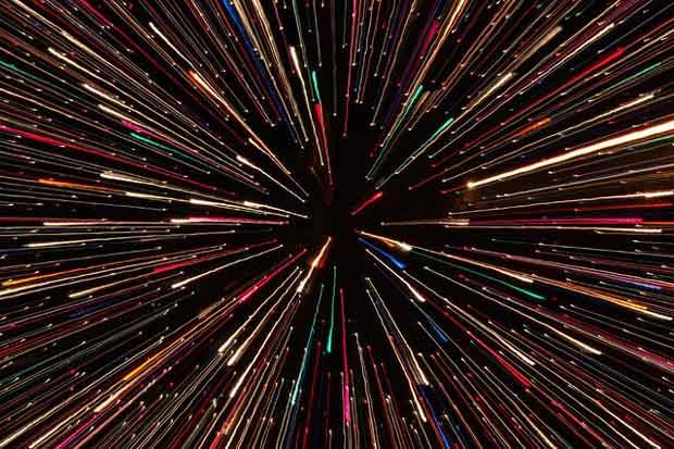 Viajando a la velocidad de la Luz como se muestra en la película Star Wars