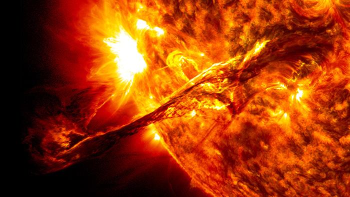 ¿Qué desconocemos el Sol?¿Por qué se debe seguir estudiando?¿Se puede mejorar la medición de distancias astronómicas?¿Qué es la astroestadística? Conversación con Santiago Vargas, del Observatorio Nacional en Bogotá acerca de sus temas de investigación, el Sol, las Cefeidas y cómo es estudiar astronomía en Colombia. Santiago Vargas es miembro de la Red Latinoamericana de Blogs de Ciencia RedLBC.